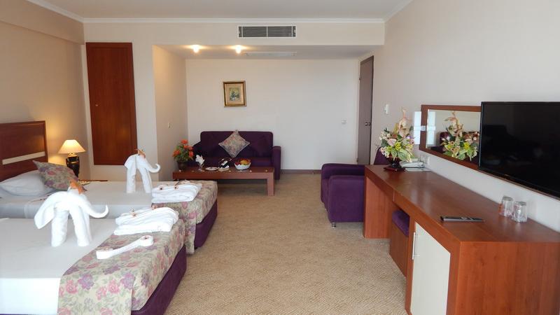 Family Room4