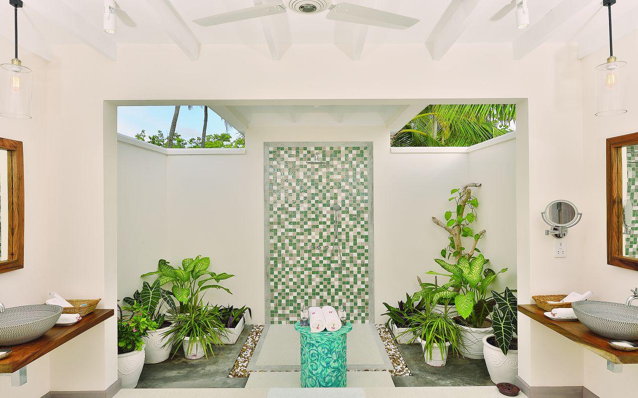 LAGOON VILLA - OPEN AIR BATHROOM