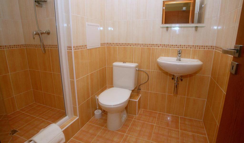 Single Room with Bathroom-min