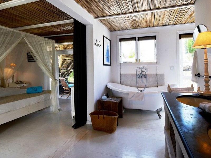 Superior Beachfront Room (6)