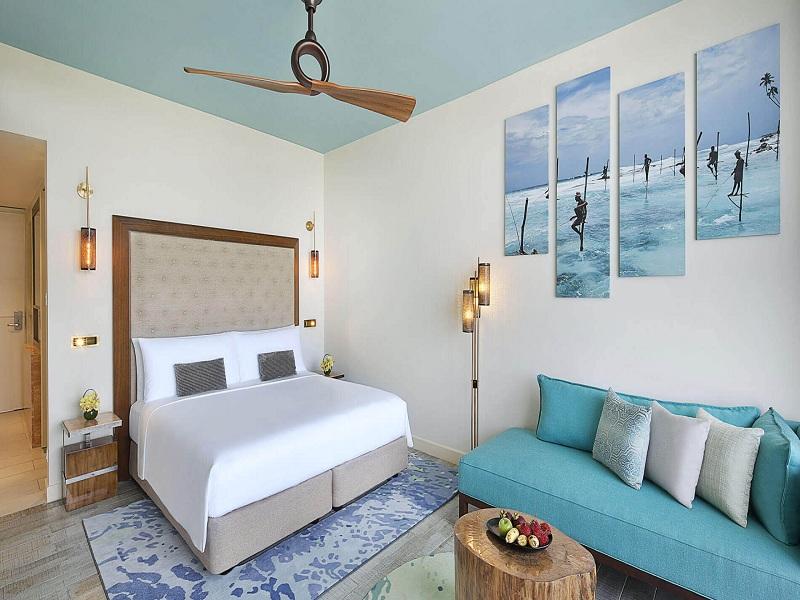 deluxe-ocean-view-king-bed-1
