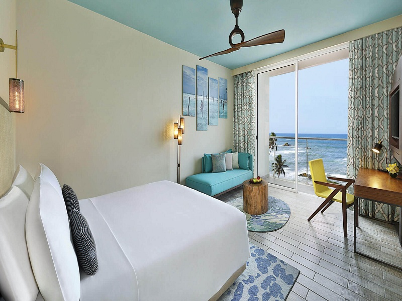 deluxe-ocean-view-king-bed-2