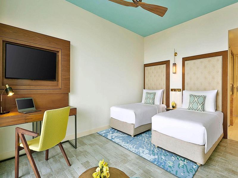 deluxe-ocean-view-twin-bed-2
