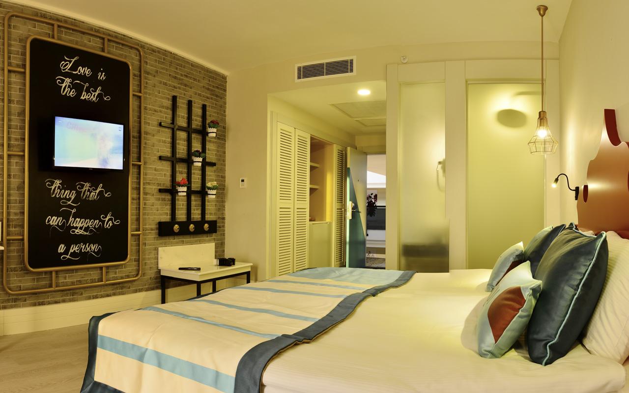 1_0002_Room