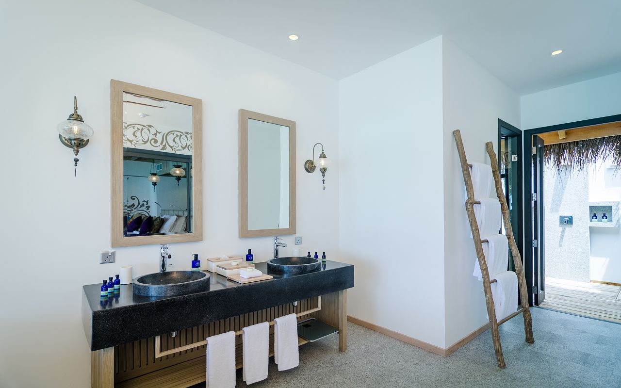 2 Bedroom Ocean Pool Villa (6)