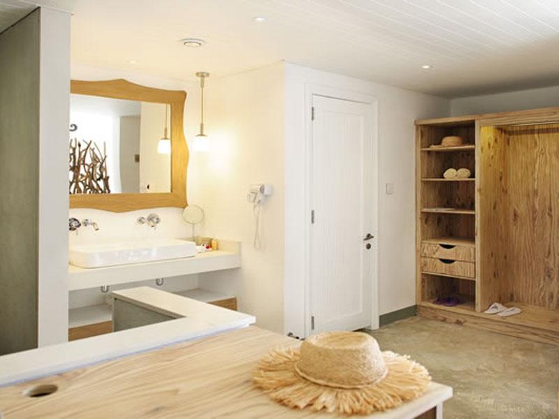 Couple Junior Suite - Bathroom