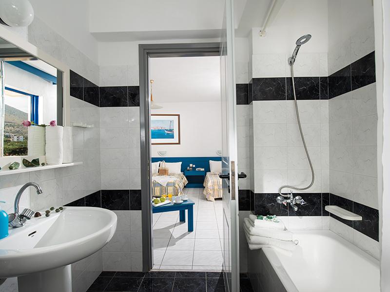 Triple Room Bathroom 1