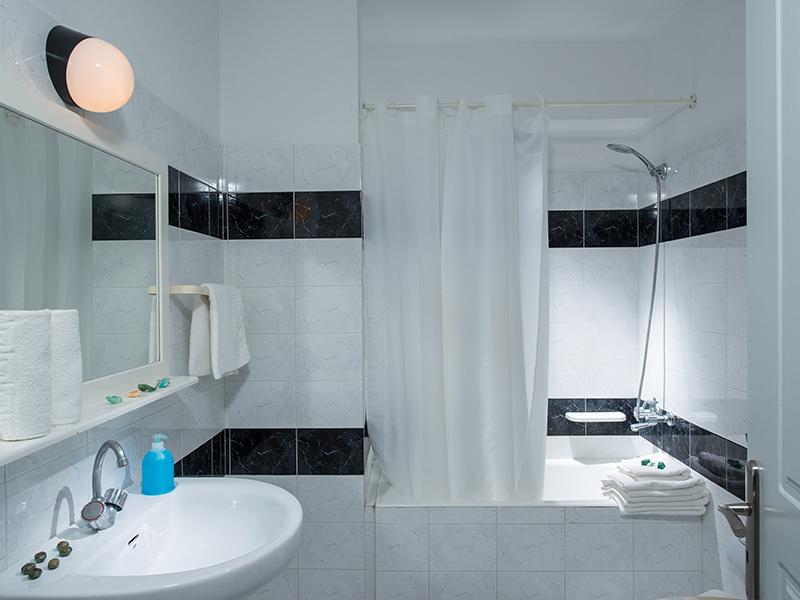 Triple Room Bathroom 2