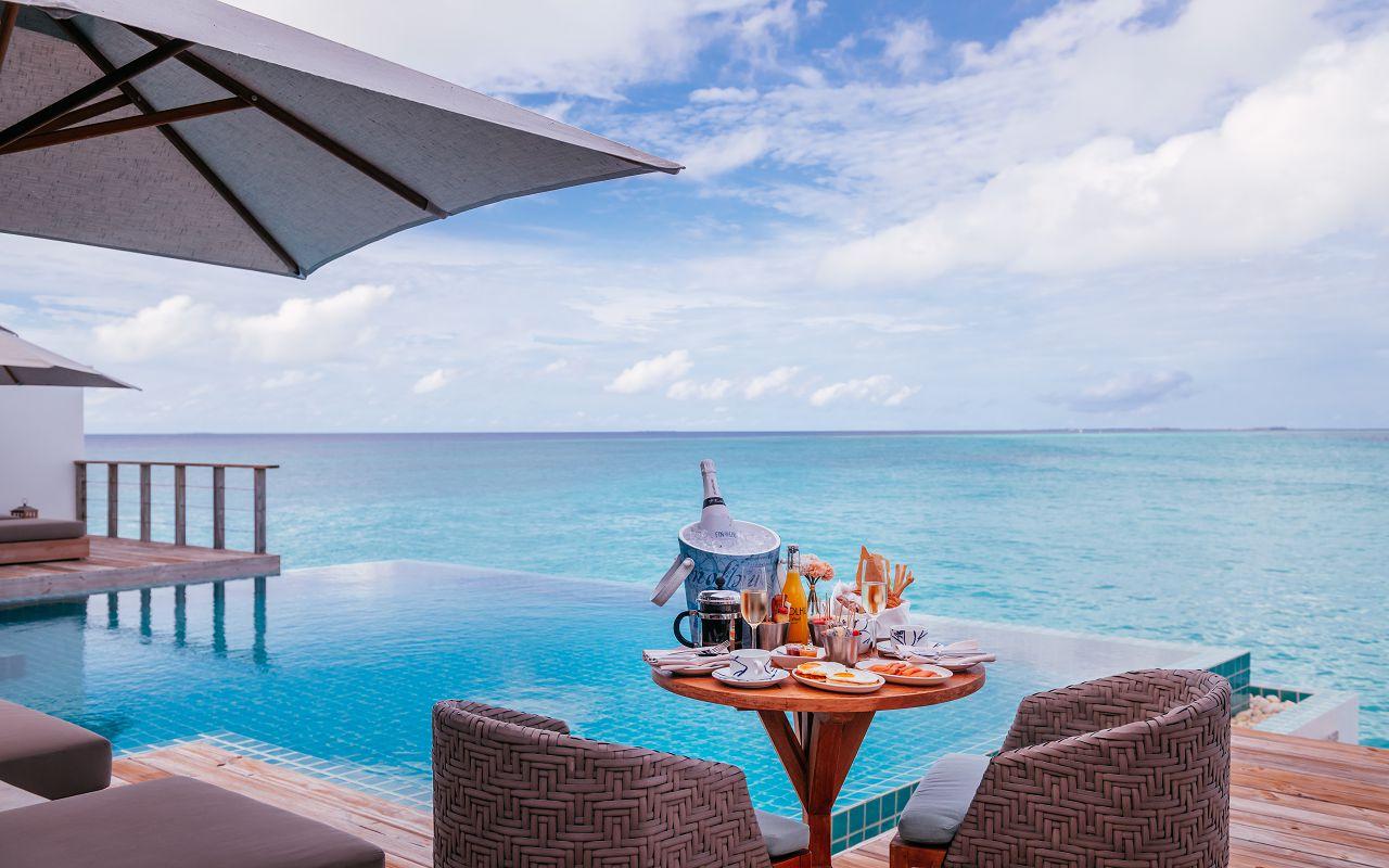 finolhu-maldives-rockstar-villa-breakfast