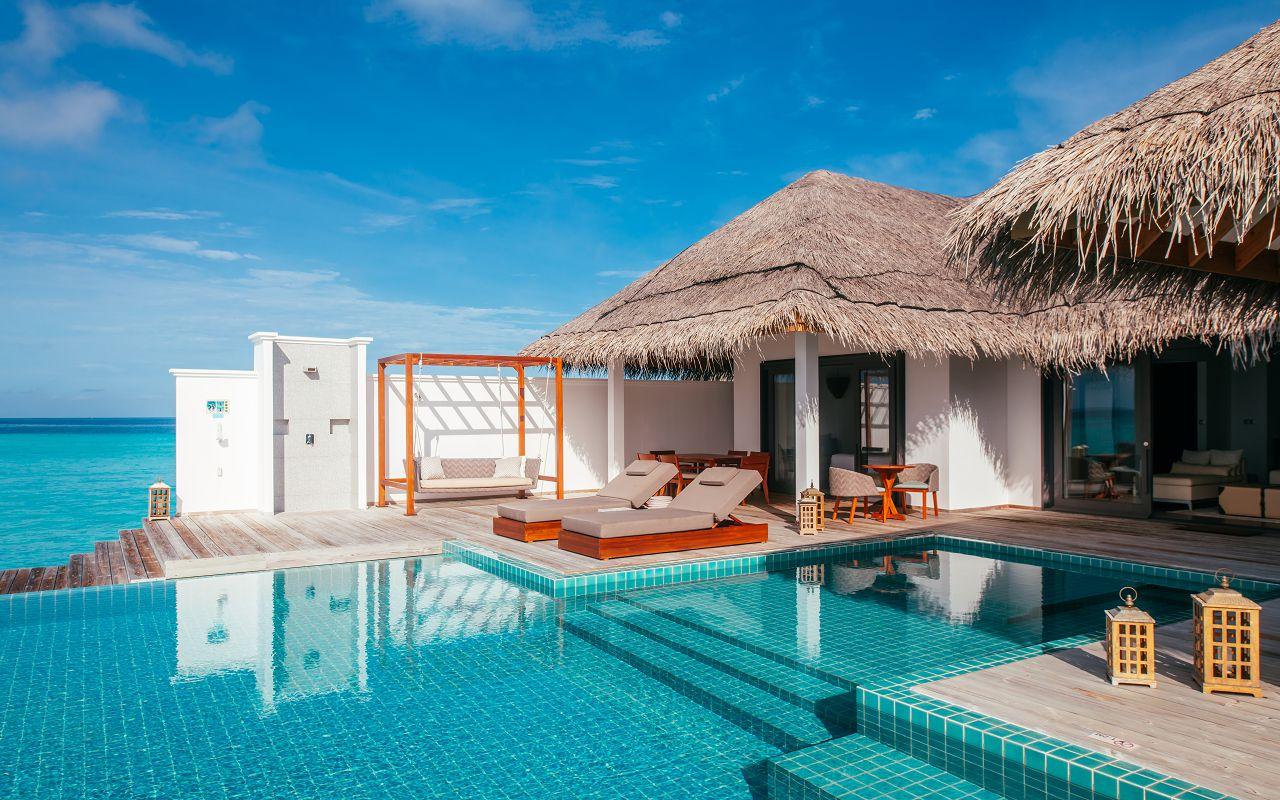 finolhu-maldives-rockstar-villa-pool