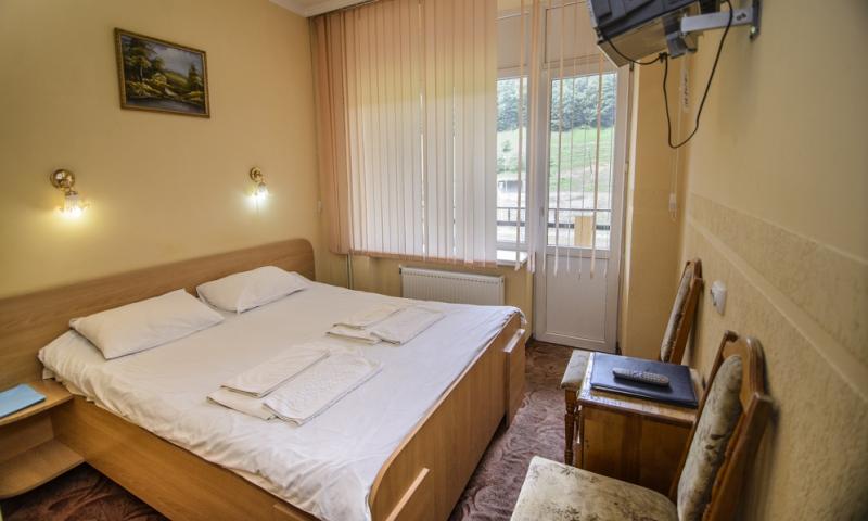 горная тиса стандарт с 2-спальной кроватью (4)