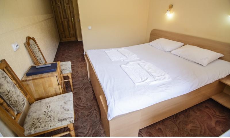 горная тиса стандарт с 2-спальной кроватью (5)