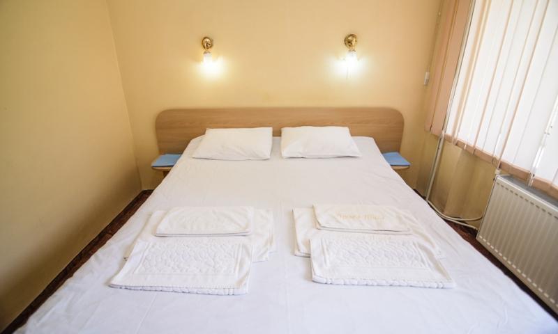 горная тиса стандарт с 2-спальной кроватью (6)
