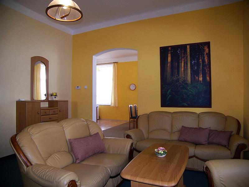 Apartment 5-8