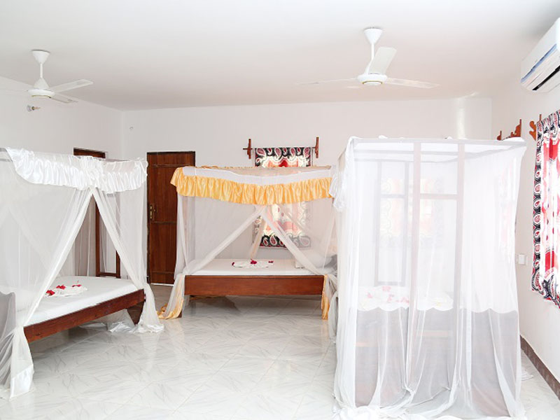 4The Nungwi Inn (8)