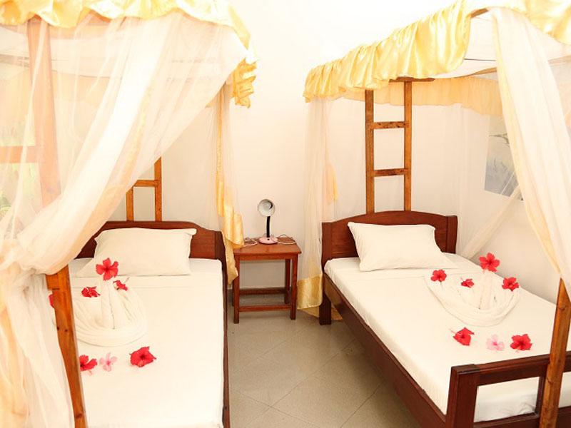 4The Nungwi Inn (9)
