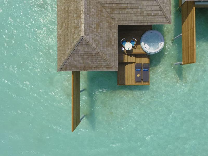 Aqua Villa with Jacuzzi (3)