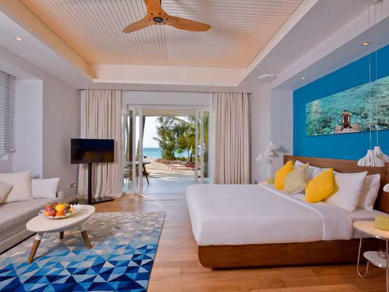 Beach Villa with Jacuzzi (2)