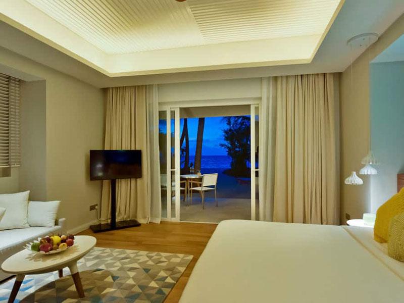 Beach Villa with Jacuzzi (4)