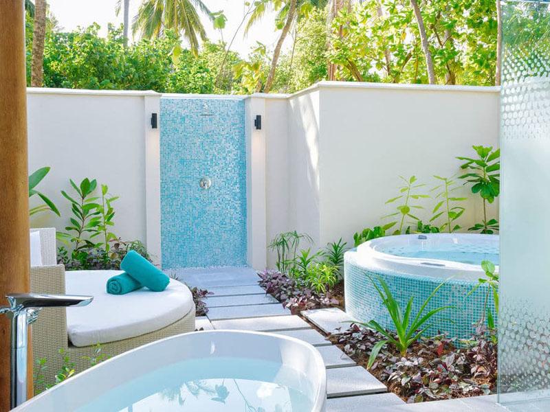 Beach Villa with Jacuzzi (5)