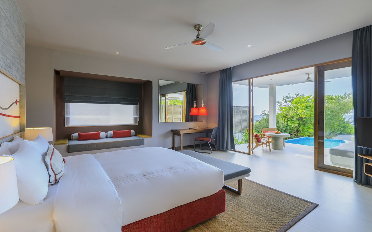 Beach Villa with Pool (3)