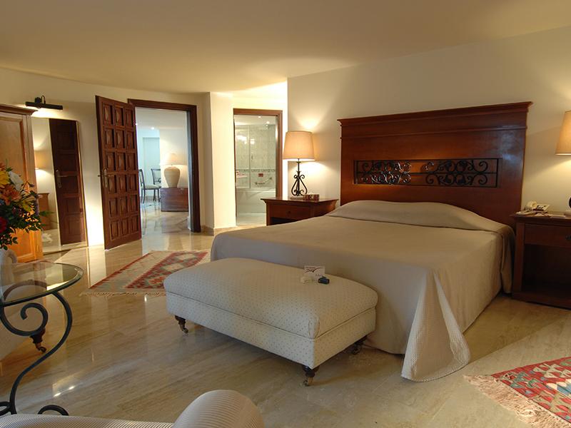 Deluxe 1 Bedroom Duplex and