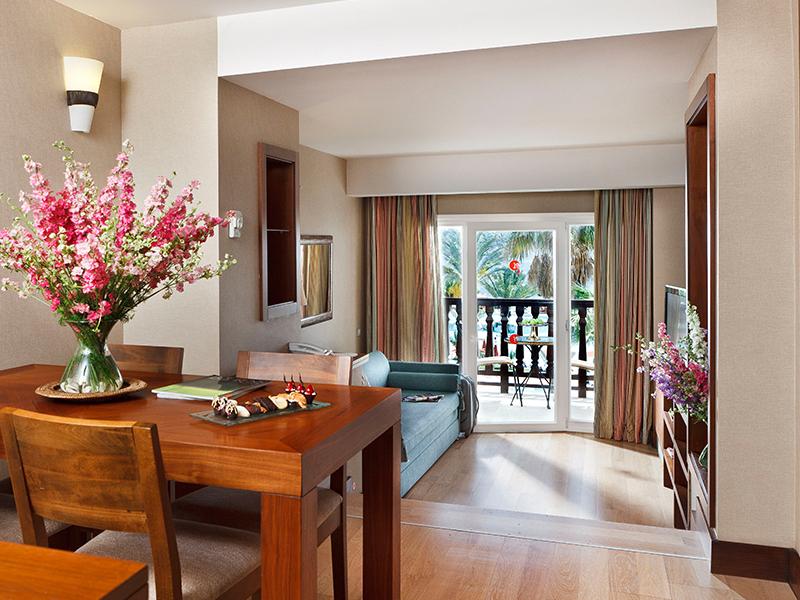 Deluxe 2 Bedroom Suites3