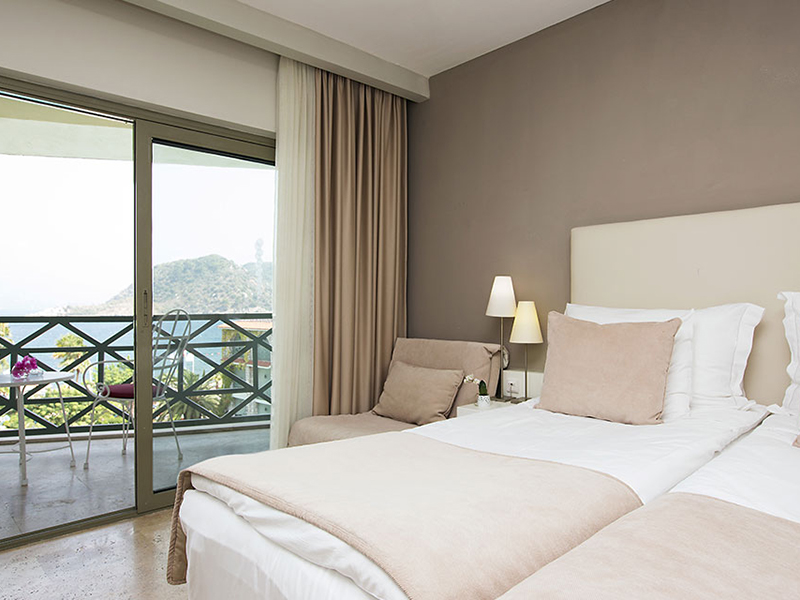 Sea-View Rooms2