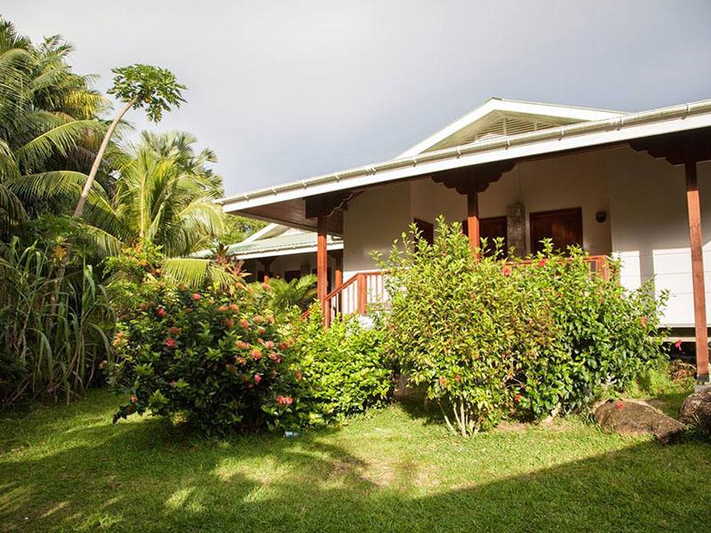 Anse-soleil-beachcomber-Premier-Rooms-Rear-View