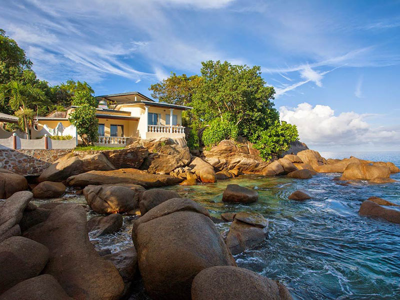 Anse-soleil-beachcomber-View-of-Superior-Rooms-from-the-beach