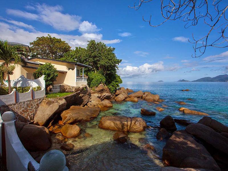 Anse-soleil-beachcomber-View-of-superior-Rooms-1