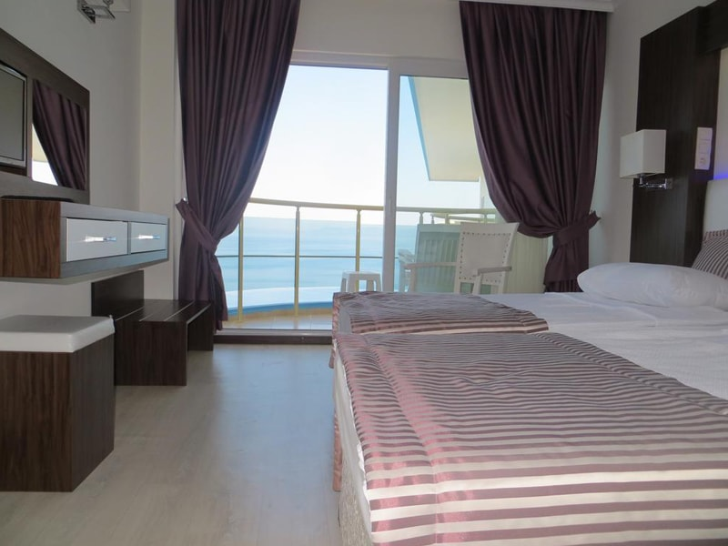 Arora Hotel (1)