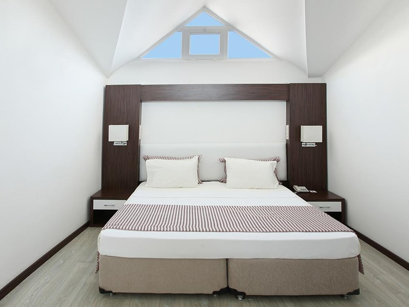 Arora Hotel (2)