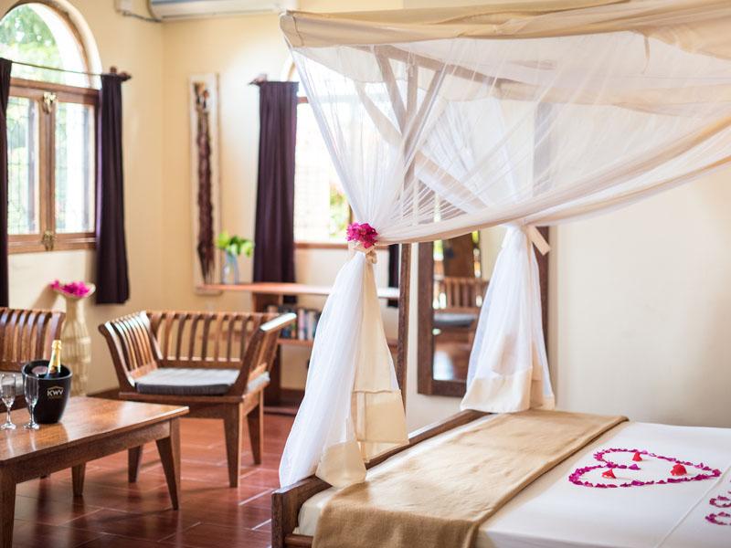 Honeymoon Suite (1)