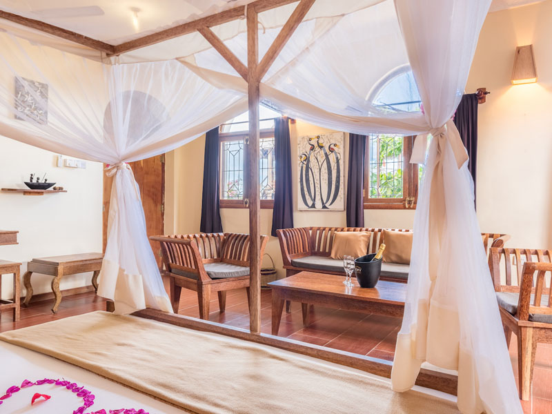Honeymoon Suite (3)