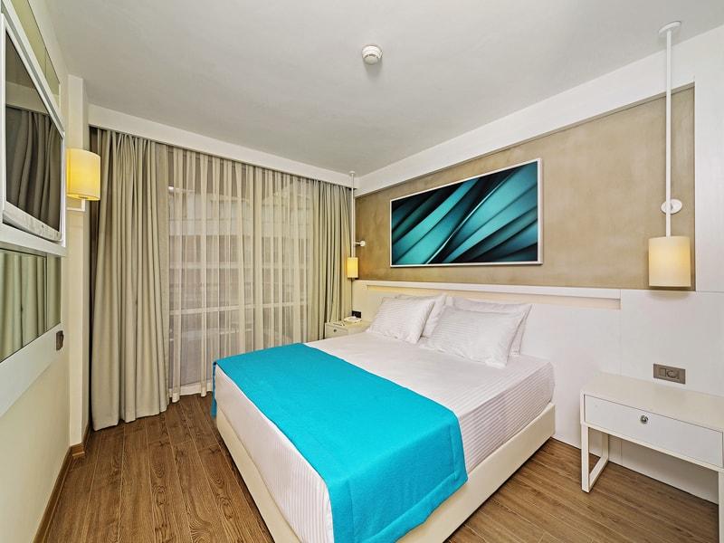 Poseidon Hotel (2)