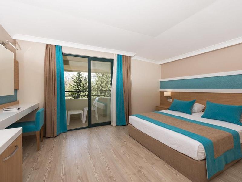 Sandy Beach Hotel (4)