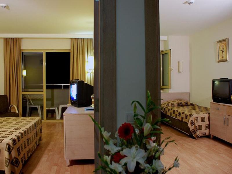 Side Breeze Hotel (8)
