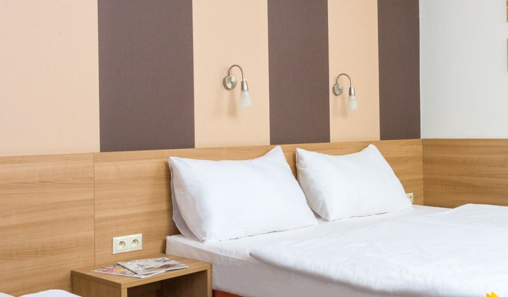 Standard-room_double-bed-1extra-bed-I-1920x680_c