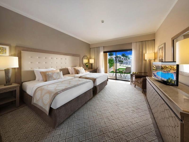 Superior-Pool-View-Room-na-sajt-5
