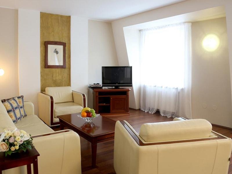 Thalia Apartments (15)