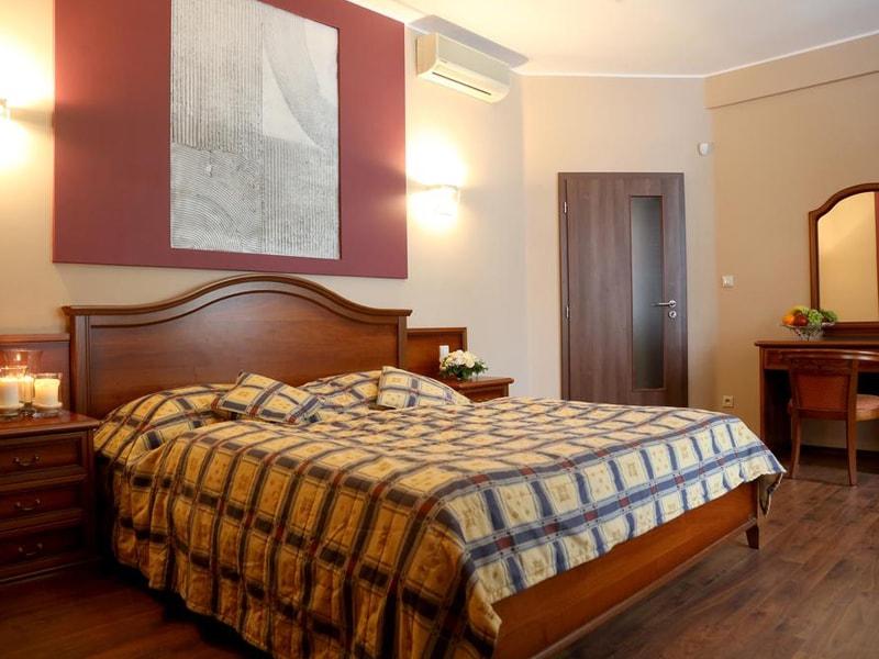 Thalia Apartments (2)
