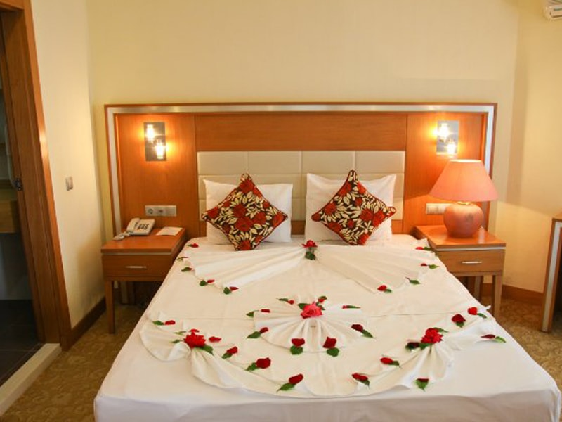 The Holiday Resort Hotel (3)