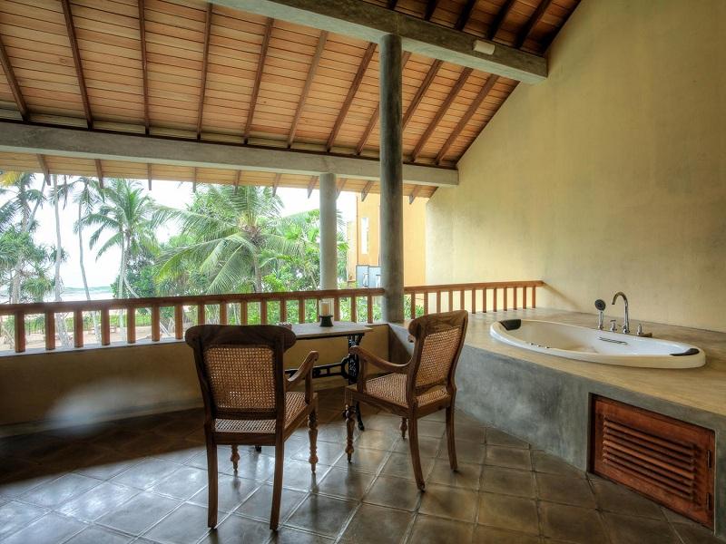 Villa-Saffron-Vanilla-Suite-Balcony--6