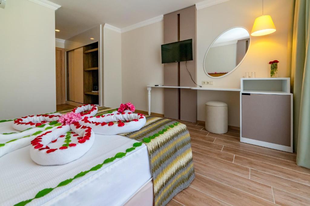 armas-gul-beach-resort gul resort standard room (2)