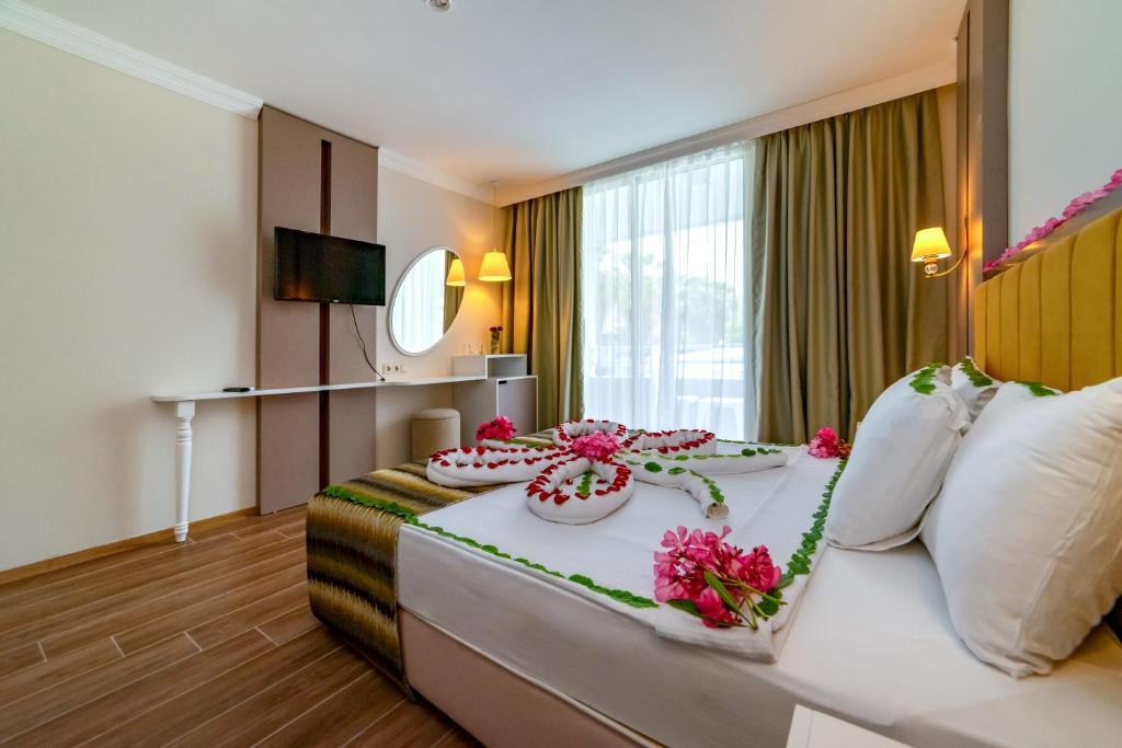 armas-gul-beach-resort gul resort standard room (3)