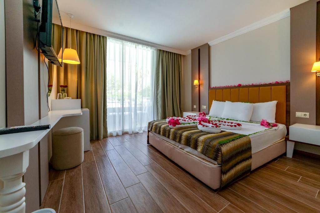 armas-gul-beach-resort gul resort standard room (4)