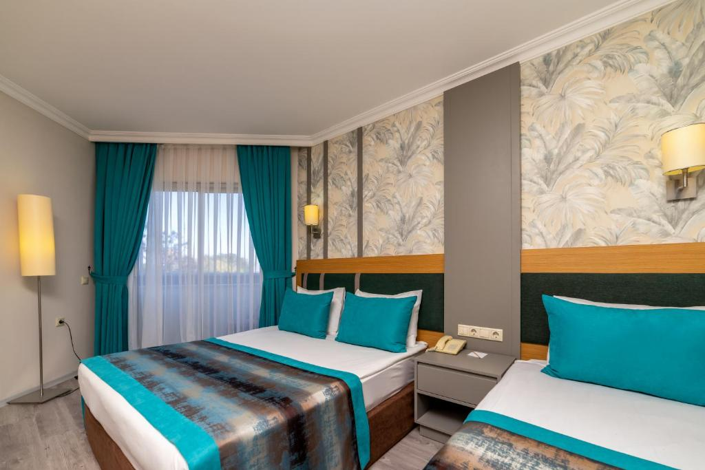 armas-gul-beach-resort standard room (2)