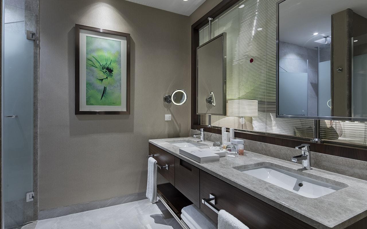 garden suite bathroom-min