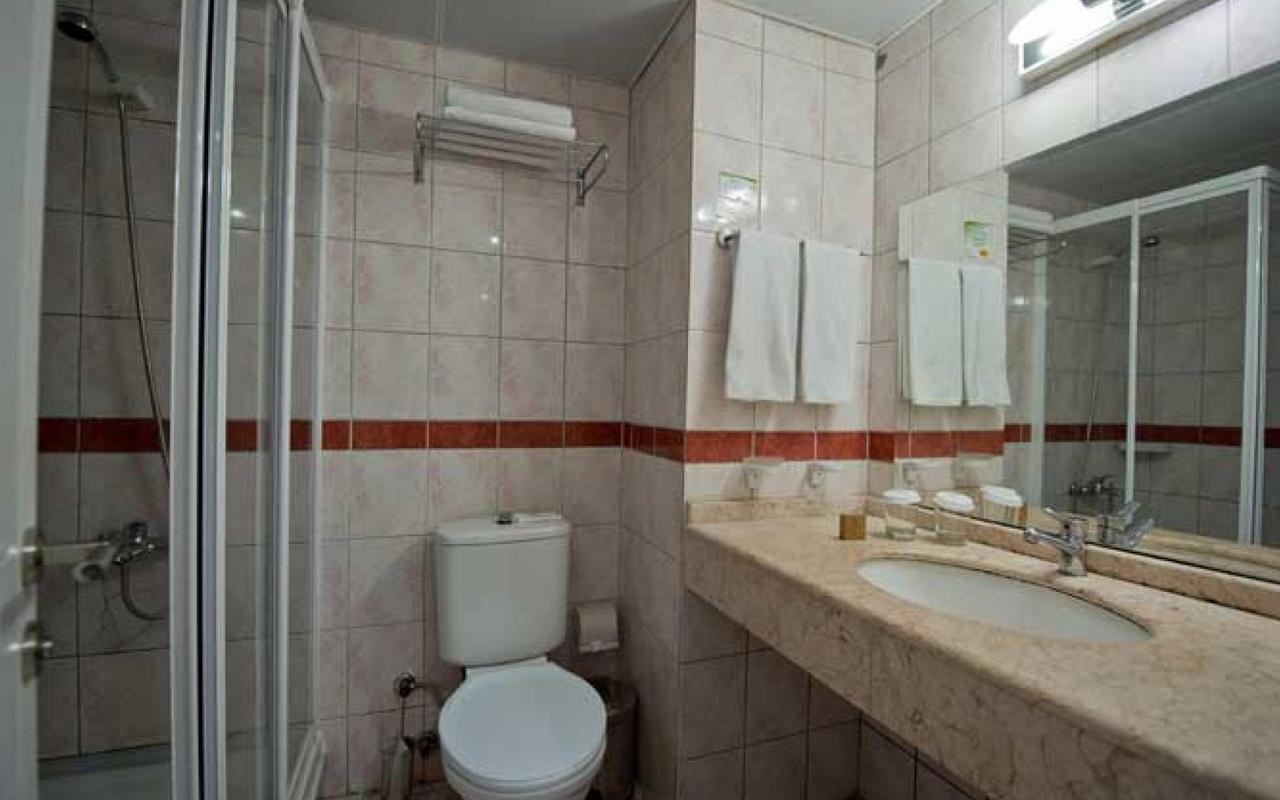 lvov_0003_pic-armas-gul-beach-hotel-1514383471